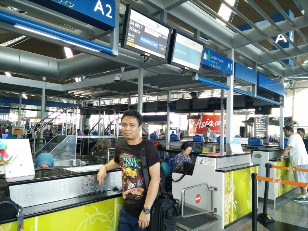15a-In front Garuda KL